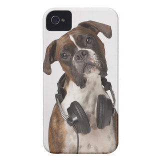 boxer dog with headphones Case-Mate iPhone 4 case