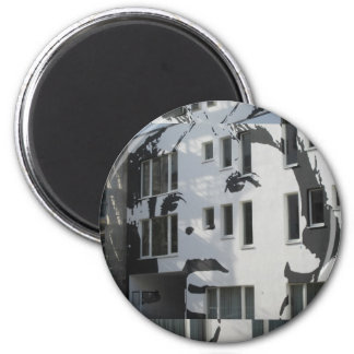 Boy on Wall 6 Cm Round Magnet