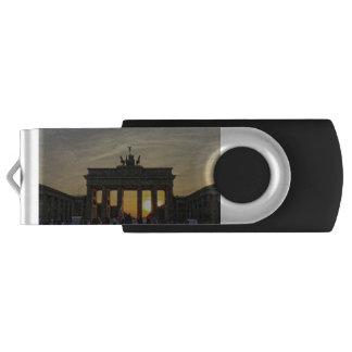 Brandenburg Gate sunset, Berlin Swivel USB 3.0 Flash Drive