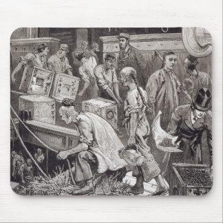 Breaking Bulk on Board a Tea Ship in the London Do Mouse Pad