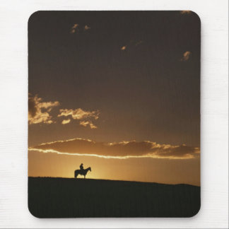 Breathtaking Cowboy Sunset Mouse Pad