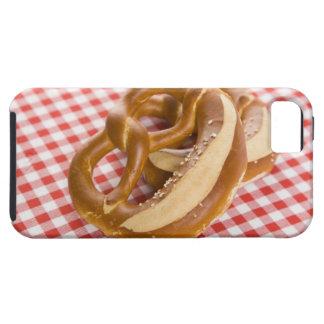 Brezel zwei auf karierter Tischdecke iPhone 5 Case