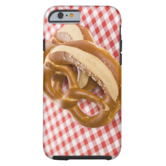 Brezel zwei auf karierter Tischdecke Tough iPhone 6 Case