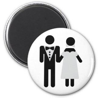 bridegroom and bride wedding icon 6 cm round magnet