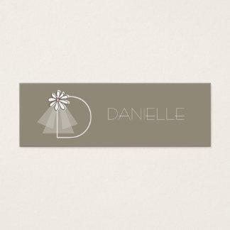 Bride's Veil Daisy Flower Monogram Bridal Gift Tag