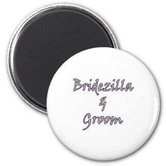 Bridezilla & Groom 6 Cm Round Magnet
