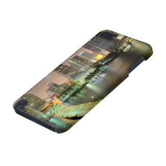 Bridge leads across waterway to downtown Miami iPod Touch 5G Cover