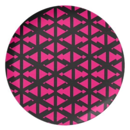 Bright Hot Pink Zig Zag Style Pattern Plate