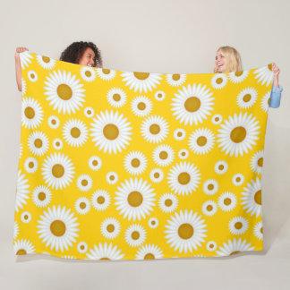 bright n cheerful yellow white daisy throw blanket