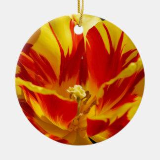 Bright tulip round ceramic decoration