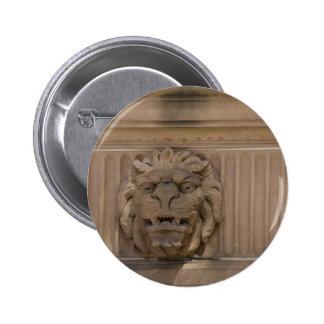 BRISBANE LION STATUE QUEENSLAND AUSTRALIA 6 CM ROUND BADGE