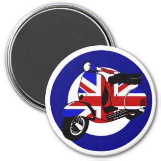 British mod scooter on target 7.5 cm round magnet