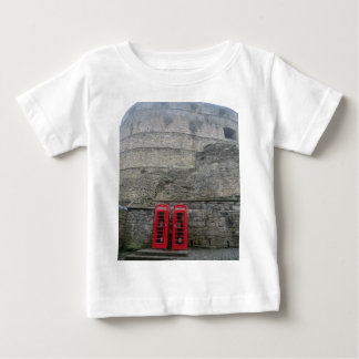 British Red Phone Boxes at Edinburgh Castle Tshirt
