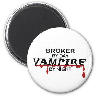 Broker by Day, Vampire by Night 6 Cm Round Magnet