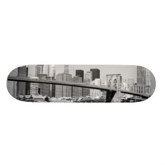 Brooklyn Bridge and Manhattan Skyline 21.6 Cm Old School Skateboard Deck