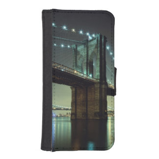 Brooklyn Bridge at night  Manhattan Bridge iPhone SE/5/5s Wallet Case