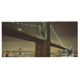Brooklyn Bridge at night  Manhattan Bridge Wood USB 2.0 Flash Drive