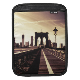 Brooklyn Bridge - New York City Sleeve For iPads