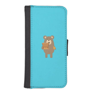 Brown Bear eating Pizza Q1Q iPhone SE/5/5s Wallet Case