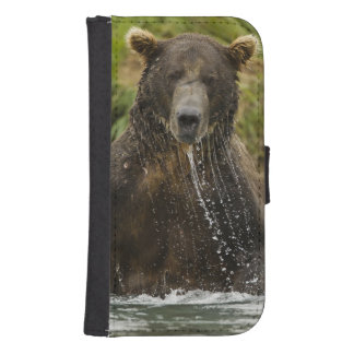 Brown bear, male, fishing for salmon samsung s4 wallet case