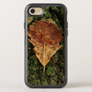 Brown Leaf On Bark Outdoor OtterBox Symmetry iPhone 7 Case