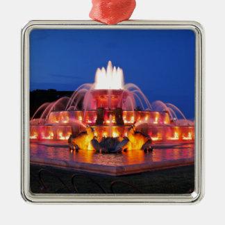 Buckingham Fountain 02.JPG Silver-Colored Square Decoration