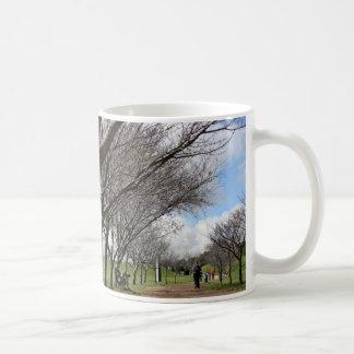 Bucolic cup mug