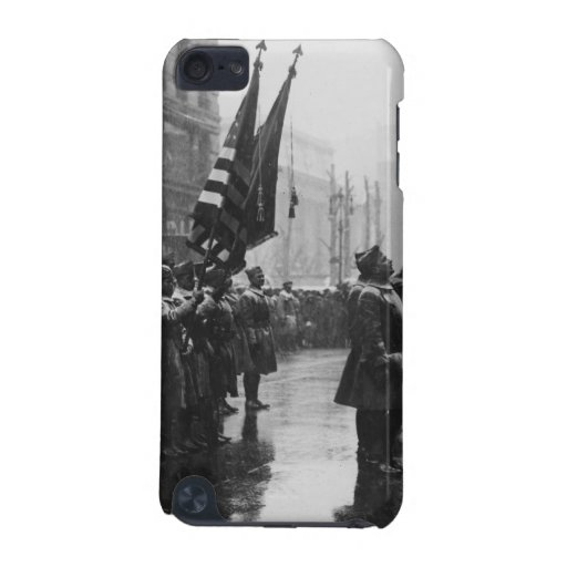 """""""Buffalo"""" Soldiers Returning Colors - 1919 iPod Touch 5G Cases"""