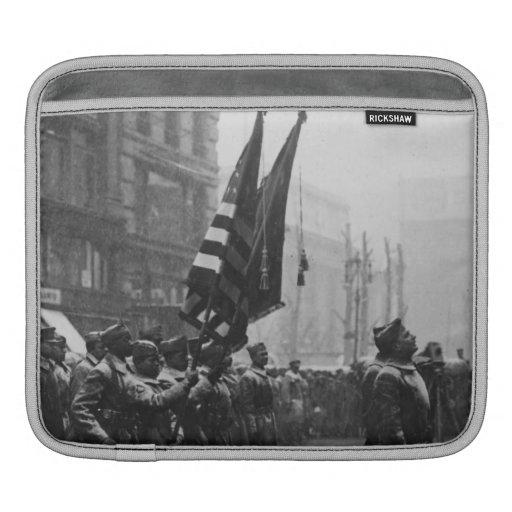 """Buffalo"" Soldiers Returning Colors - 1919 iPad Sleeves"