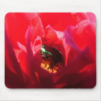 Bug in flower mouse pad