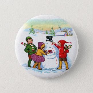 Building a Snowman 6 Cm Round Badge