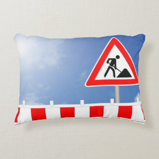 Building site, building site closing and building decorative cushion
