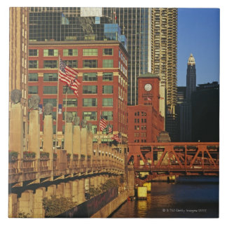Buildings along the river in downtown Chicago, Tile