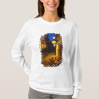 Buildings with 17th or 18th century facade and T-Shirt