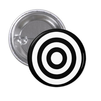 bullseye - stay focused on target 3 cm round badge