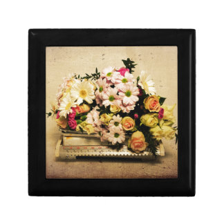 Bunch of Beauty Small Square Gift Box