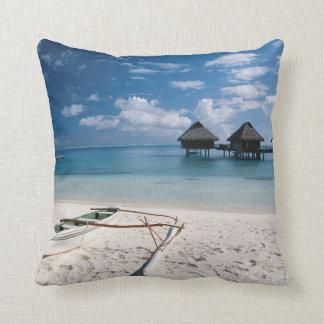 Bungalows from beach Motu Toopua Cushion