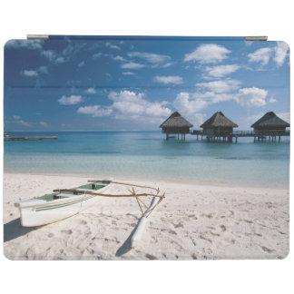 Bungalows from beach Motu Toopua iPad Cover