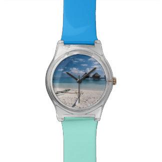 Bungalows from beach Motu Toopua Watch