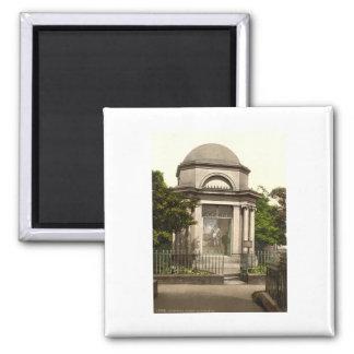Burns Mausoleum, Dumfries, Scotland Square Magnet