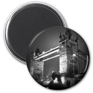 BW Black & White London Tower Bridge 6 Cm Round Magnet