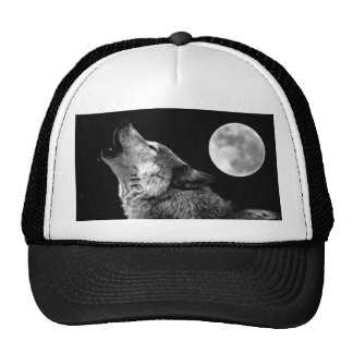 BW Wolf Howling at Moon Mesh Hat