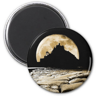 By the light of the sepia moon 6 cm round magnet