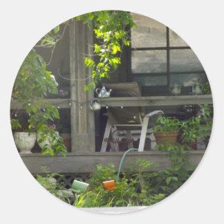 cabin/cottage round sticker