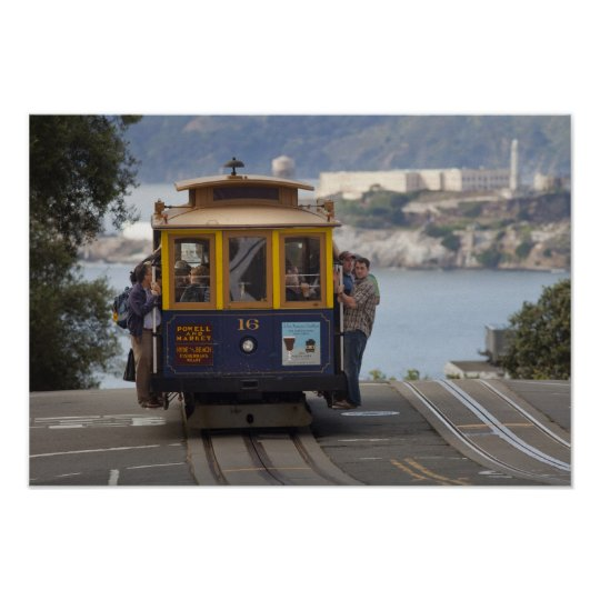 Cable car chugs up Hyde Street in San