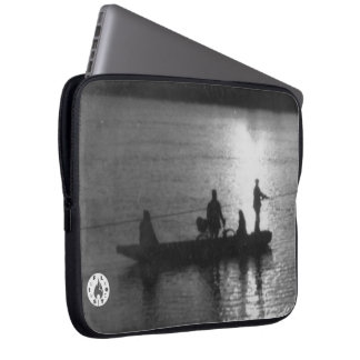Cable ferry laptop sleeve