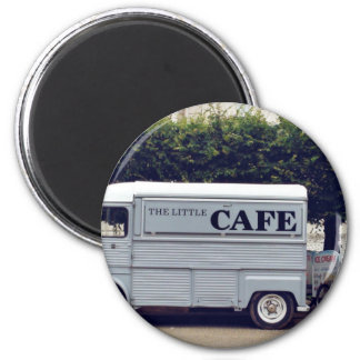 Caf� truck and ice-cream carts 6 cm round magnet