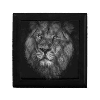 Caged king gift box