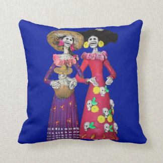 Calavera Amigas Cushion