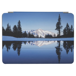 California, Sierra Nevada Mountains, Yosemite 9 iPad Air Cover